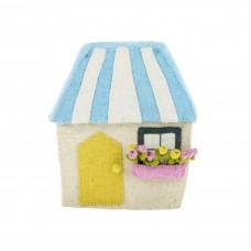 Дом с полосатой крышей