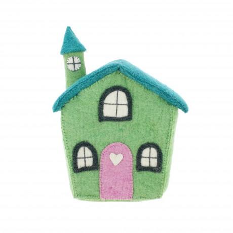 Зеленый дом с дверью сердце