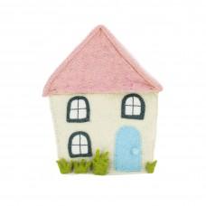 Кремовый дом с розовой крышей