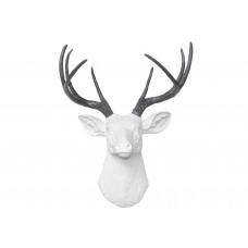 Олень белый серые рога